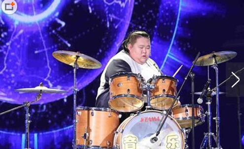 540斤的李超大秀舞技