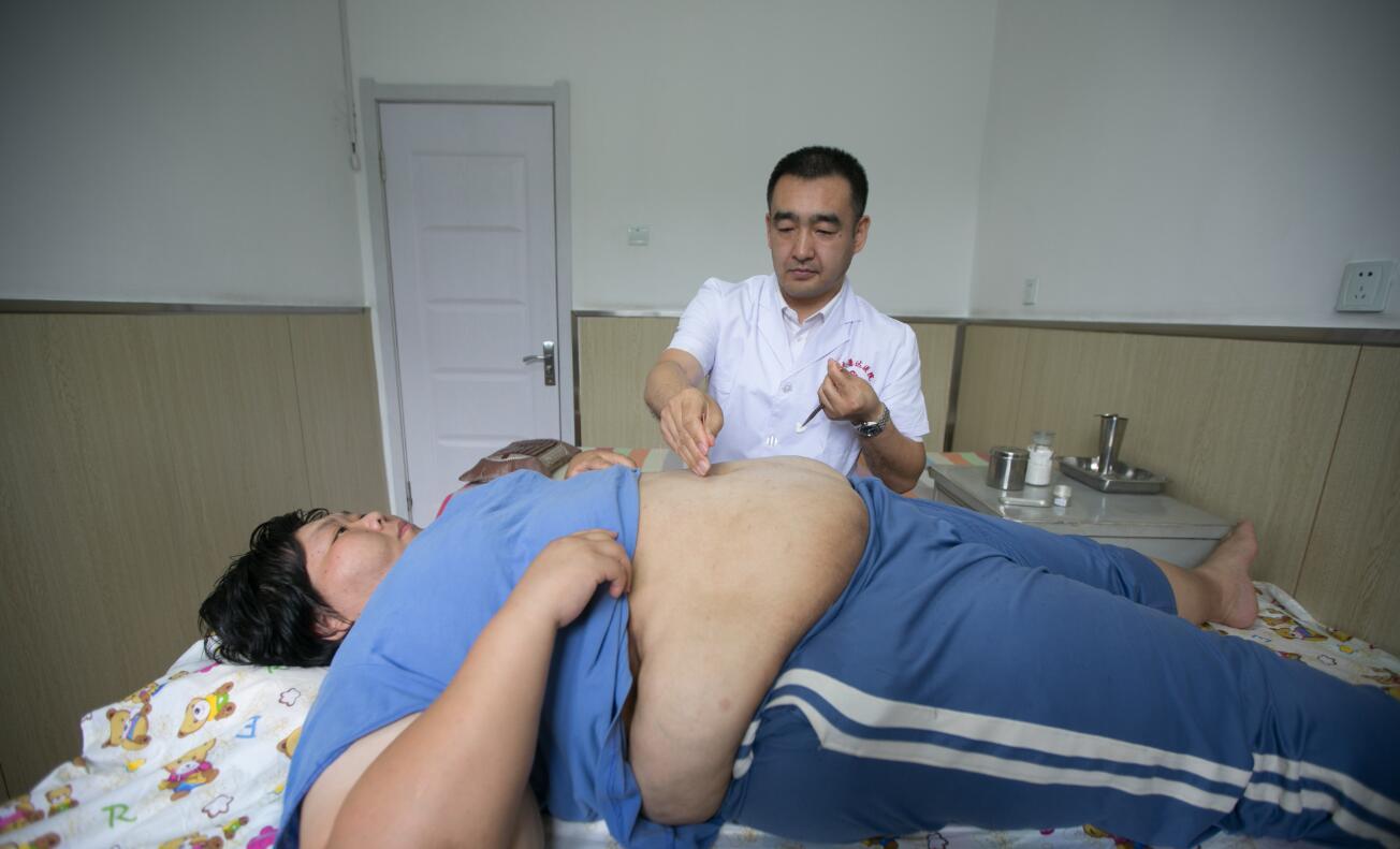 400斤退役女运动员到长春康达医院减