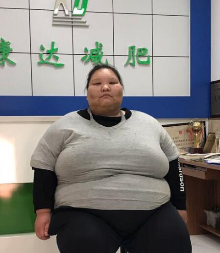 吉林卫视《家事》讲述400斤女孩左亚